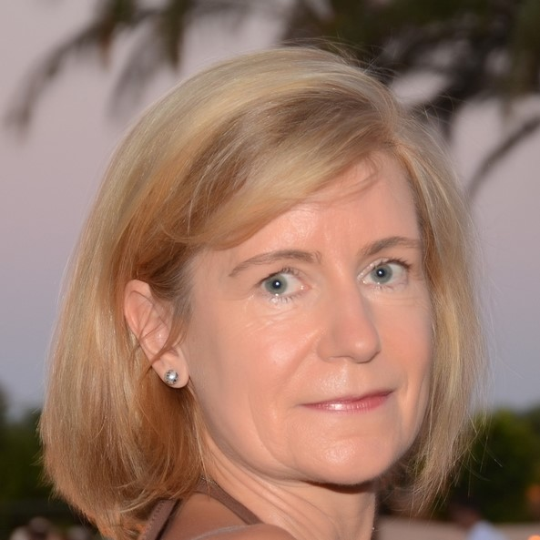 Christine Magos